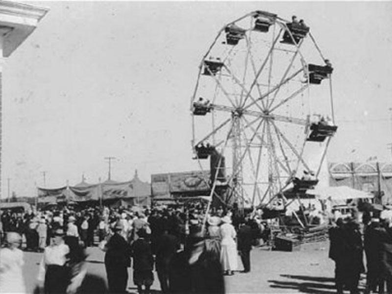 Fairgoers attend the 1916 Manitoba Summer Fair